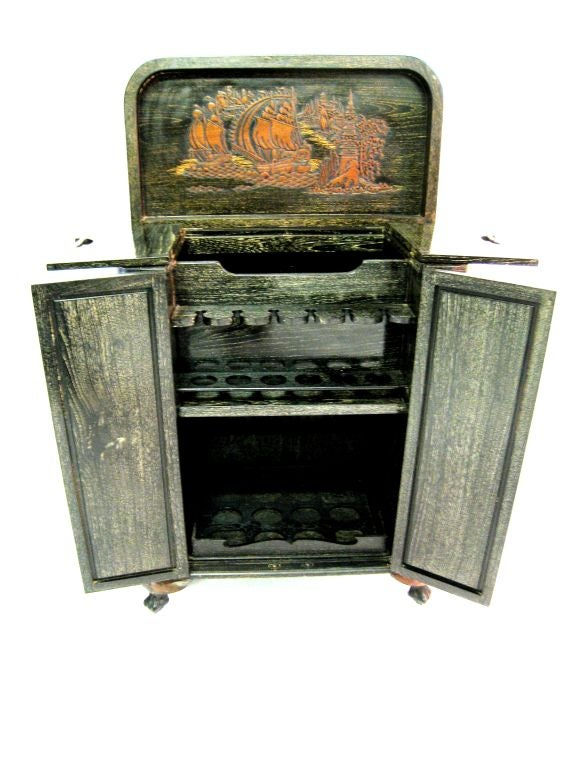1940s Chinoiserie Cabinet 7