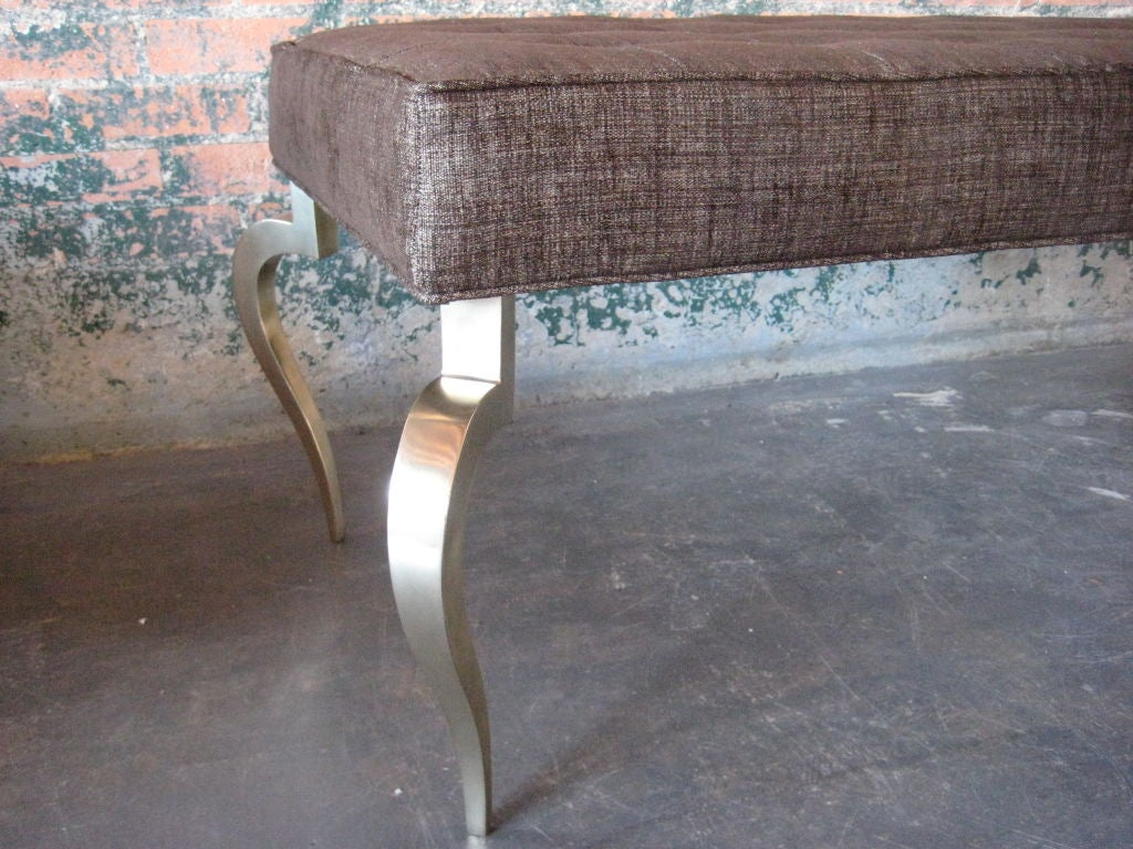 Bench with solid brass curved legs For Sale 3
