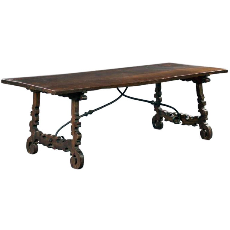 Large spanish baroque dining table at 1stdibs for Table in spanish