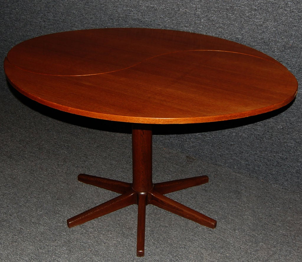 danish mid century modern yin yang teak round oval dining table at 1stdibs. Black Bedroom Furniture Sets. Home Design Ideas