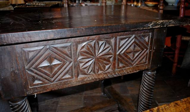 17th Century Spanish Table Turned Legs 4