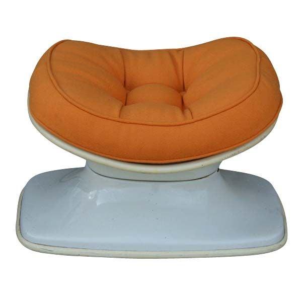 1960 S Stereo Alpha Pod Chair And Ottoman At 1stdibs
