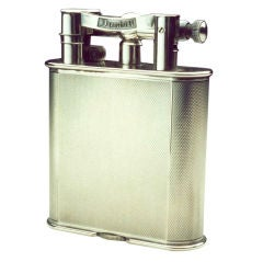 Alfred Dunhill 'Giant' table lighter.