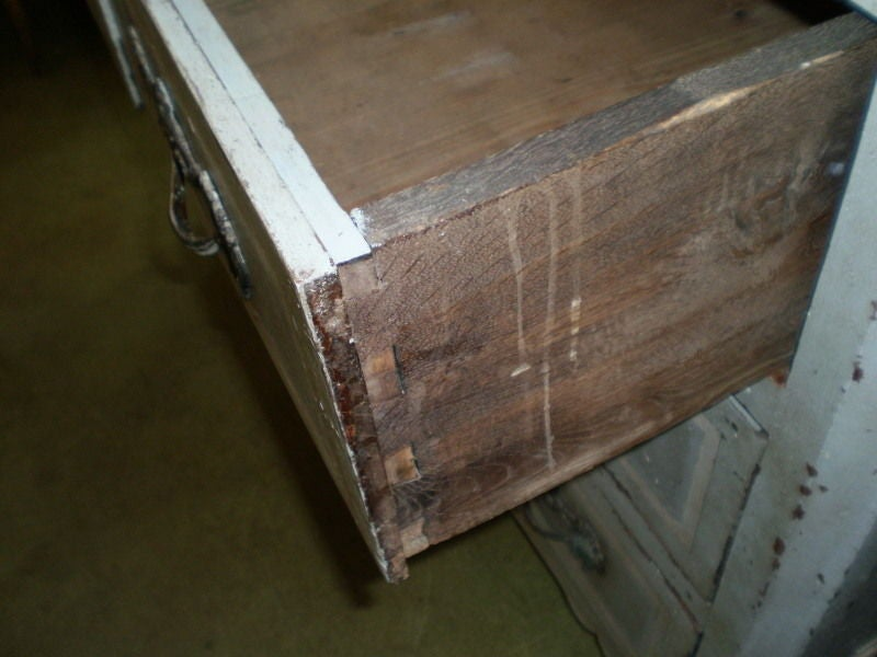 Large 18th Century French Louis XV Commode For Sale 1