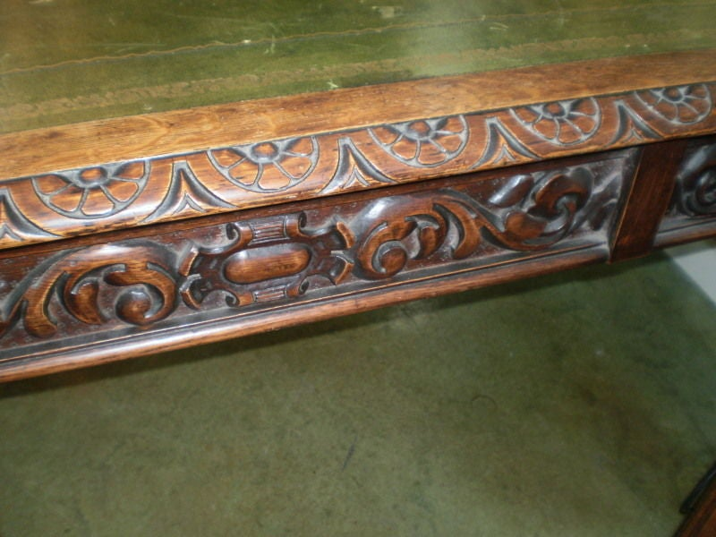 19th Century Italian Two-Drawer Desk Or Writing Table For Sale 2