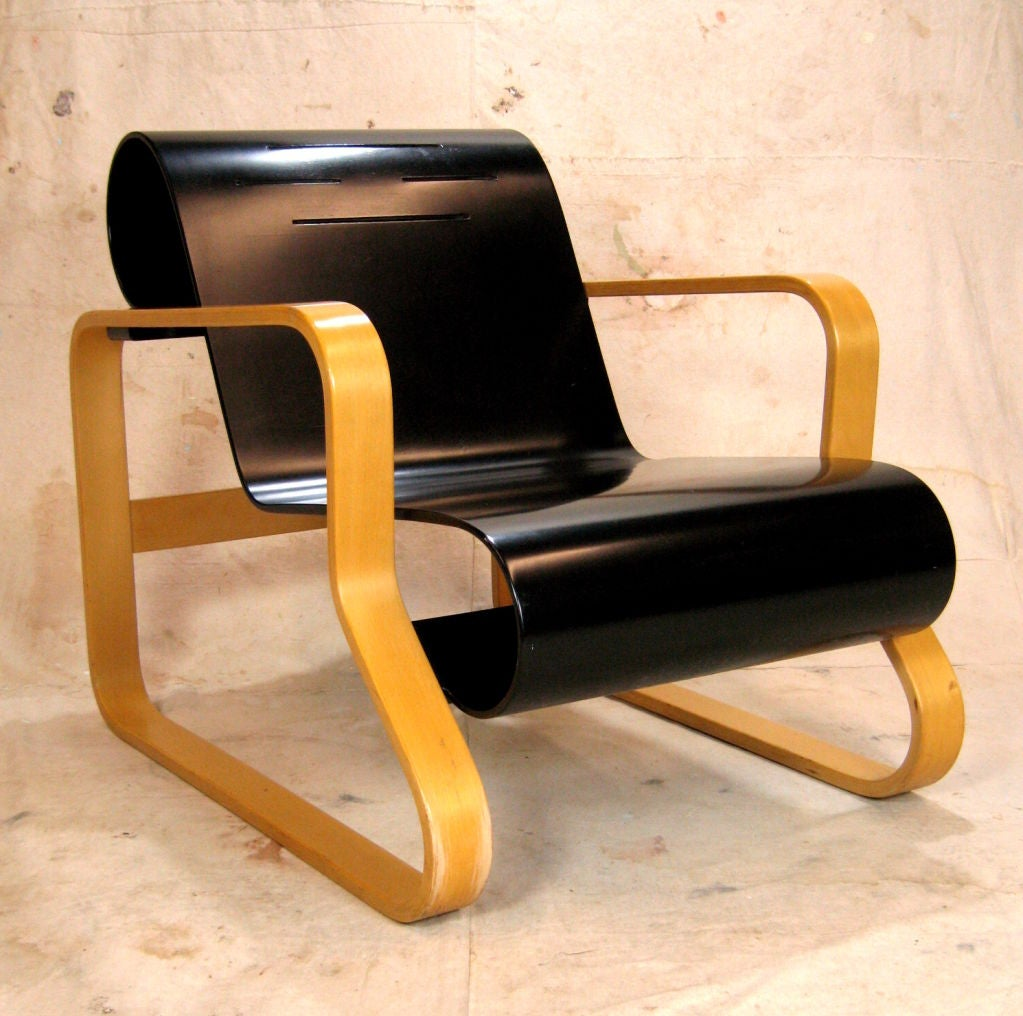 Pair alvar aalto paimio model 41 chairs for artek at 1stdibs for Alvar aalto chaise