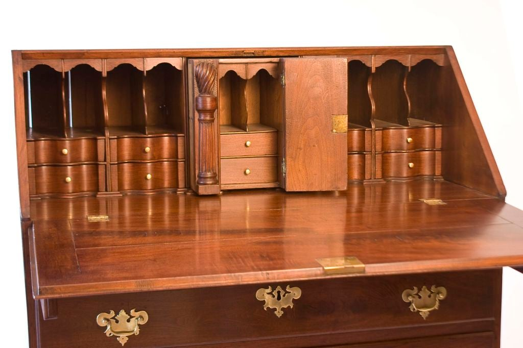 18th Century and Earlier Walnut Chippendale Slant-Front Desk For Sale