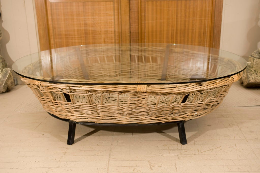 Barnyard birthing basket into coffee table at 1stdibs Coffee table baskets