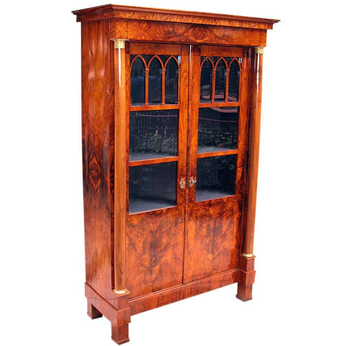 exemplary south german neoclassical vitrine at 1stdibs. Black Bedroom Furniture Sets. Home Design Ideas