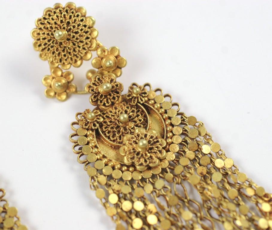 18kt Yellow Gold Flower Earrings 4