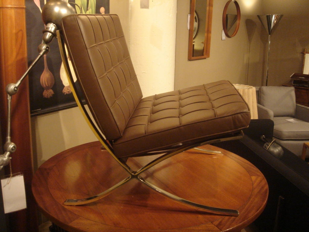 Pair of Vintage Knoll Barcelona Chairs in New Brown Leather image 4