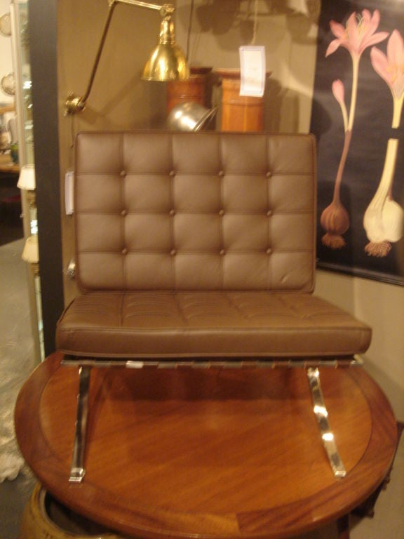 Pair of Vintage Knoll Barcelona Chairs in New Brown Leather image 5