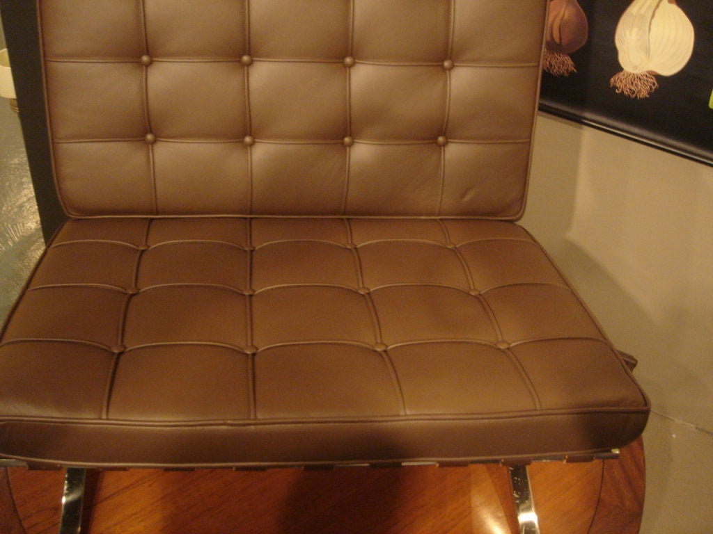 Pair Of Vintage Knoll Barcelona Chairs In New Brown Leather At 1stdibs