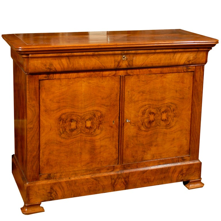 louis philippe style burled walnut buffet at 1stdibs. Black Bedroom Furniture Sets. Home Design Ideas