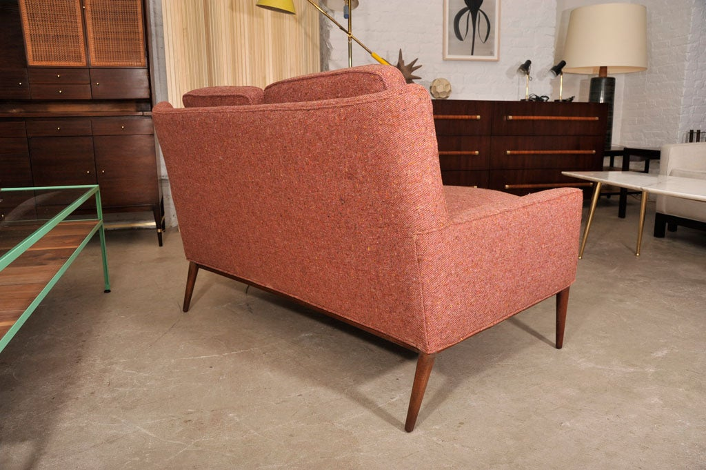 Paul McCobb settee on tapering wood legs image 6