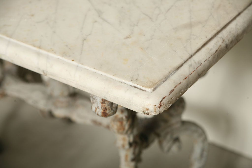 Suite of Grey Painted Cast Iron Table and Four Tabourets For Sale 2