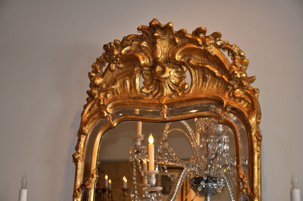 19th Century Swedish Rococo Giltwood Mirror In Good Condition For Sale In Los Angeles, CA