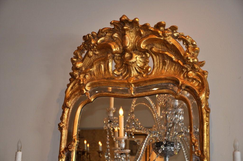 19th Century Swedish Rococo Giltwood Mirror In Good Condition For Sale In Los Angeles, CA