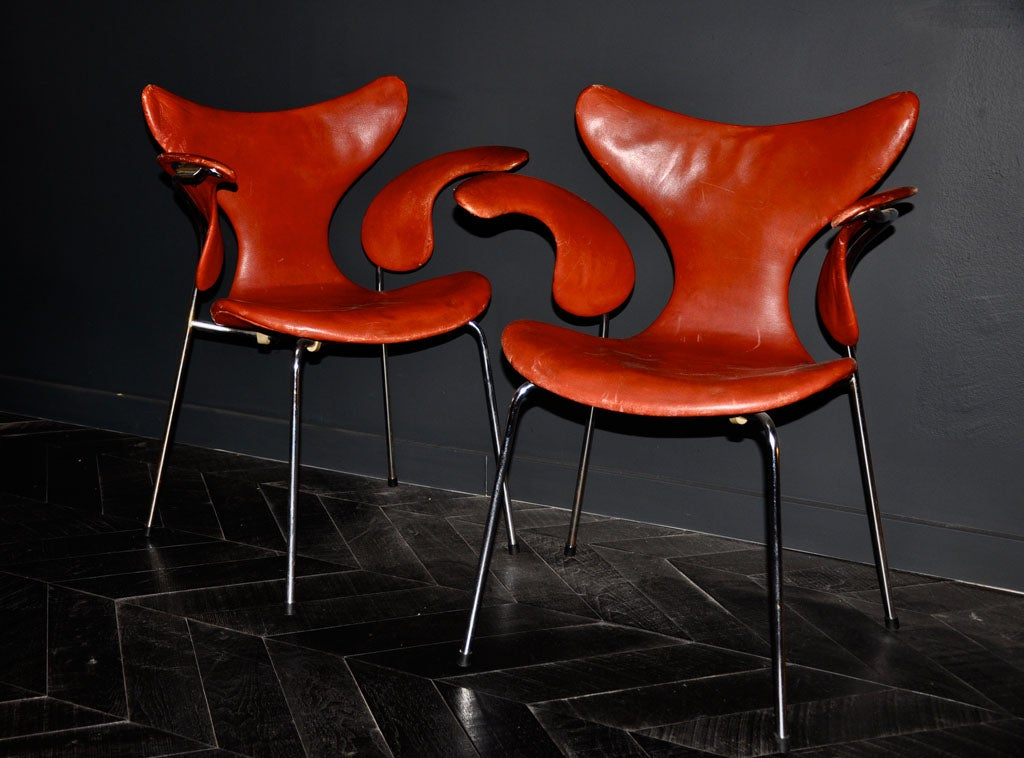 PERFECT ORIGINAL SET OF 8 RICH RED LEATHER ARNE JACOBSEN