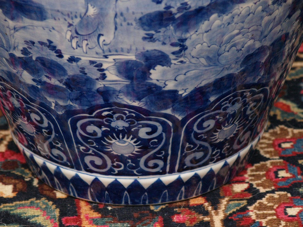 MONUMENTAL BLUE AND WHITE JAPANESE LIDDED JAR For Sale 2