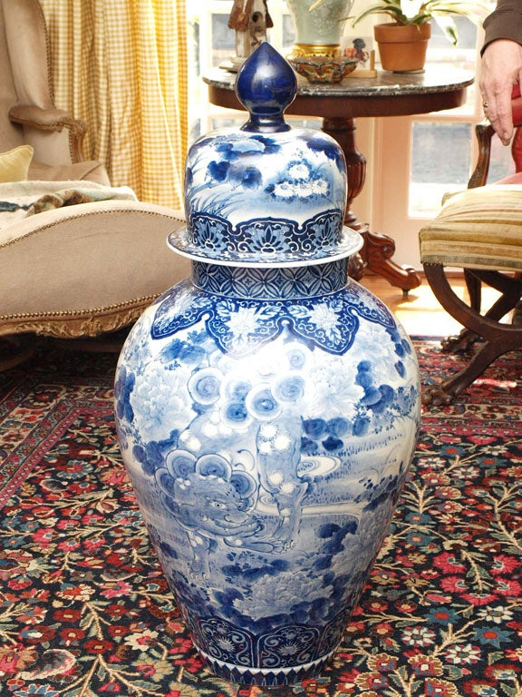 Exceptional and monumental blue and white Japanese lidded