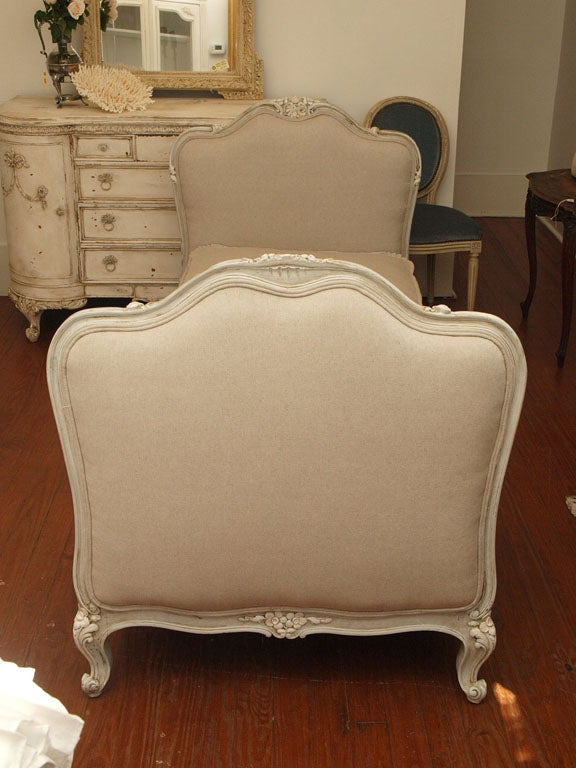 19th c. French Daybed with Belgian Linen image 9