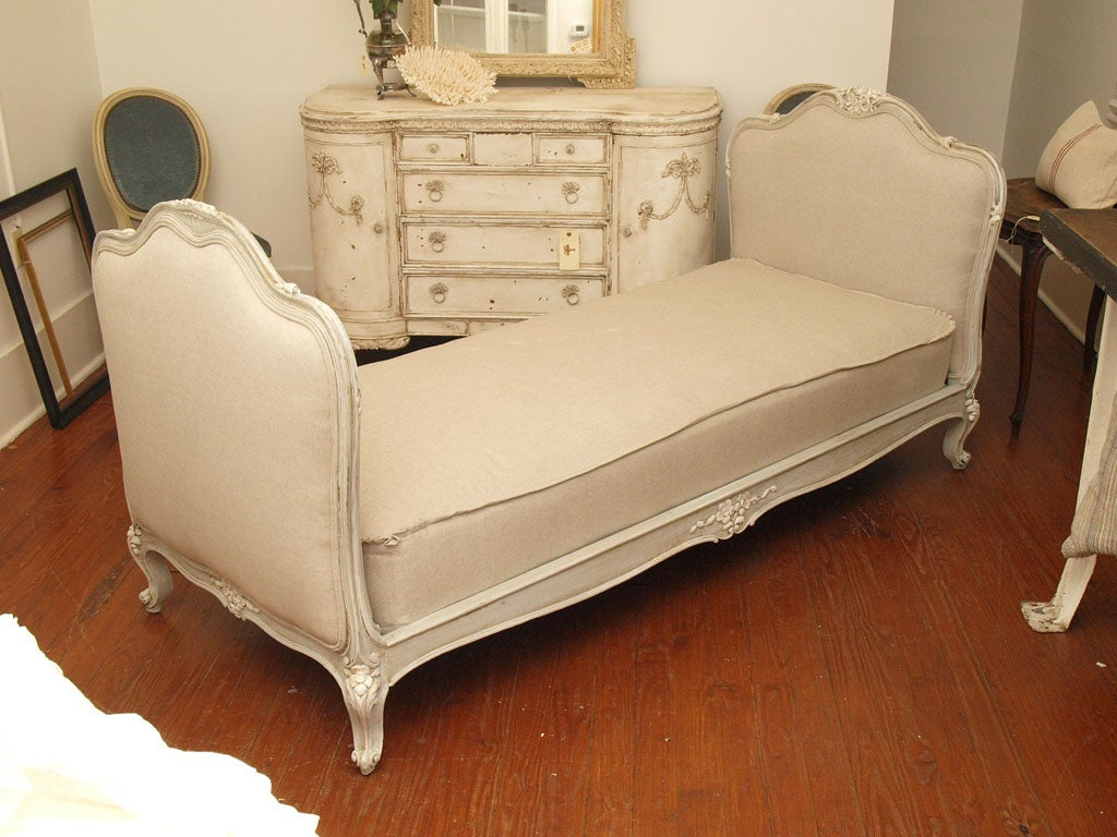 19th c. French Daybed with Belgian Linen image 2