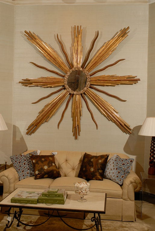 Very Unique Large-Scaled Italian Giltwood Starburst Mirror image 2