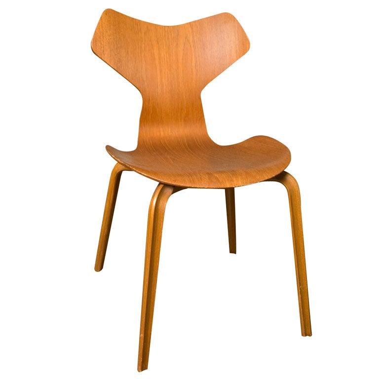 arne jacobsen grand prix chair by fritz hansen. Black Bedroom Furniture Sets. Home Design Ideas