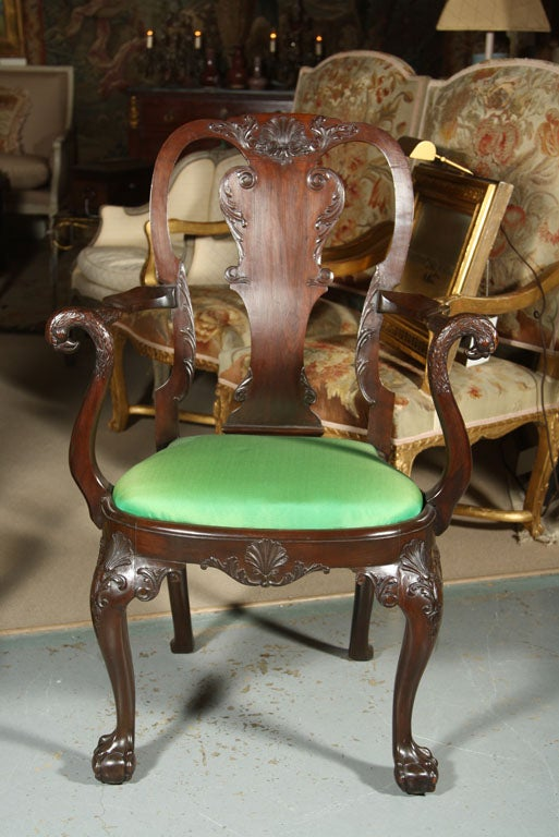 Set of Irish Mahogany Dining Chairs In Good Condition For Sale In Stamford, CT