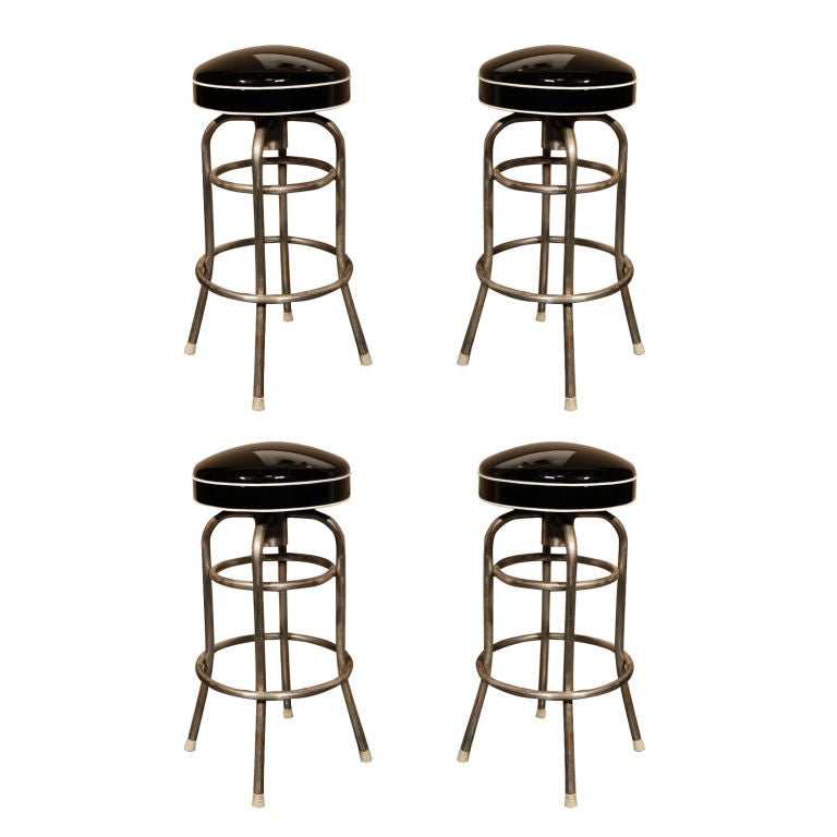 Set of 4 quotDinerquot Bar Stools with Custom Patent Leather  : 03 from www.1stdibs.com size 768 x 768 jpeg 45kB