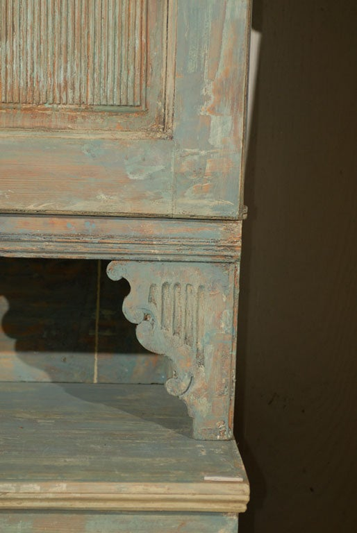Swedish 18th Century Late Gustavian Cabinet with Original Paint In Good Condition For Sale In Atlanta, GA