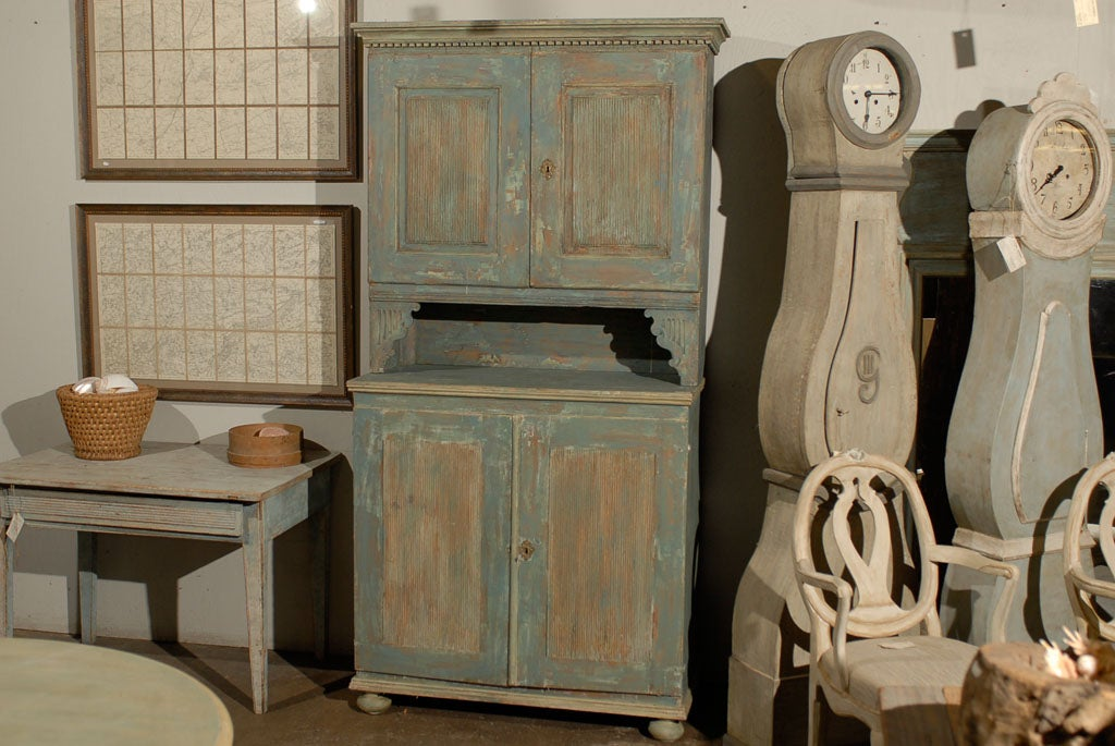 Swedish 18th Century Late Gustavian Cabinet with Original Paint For Sale 2