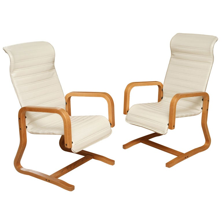 Thonet Bentwood Cantilever Lounge Chairs 1