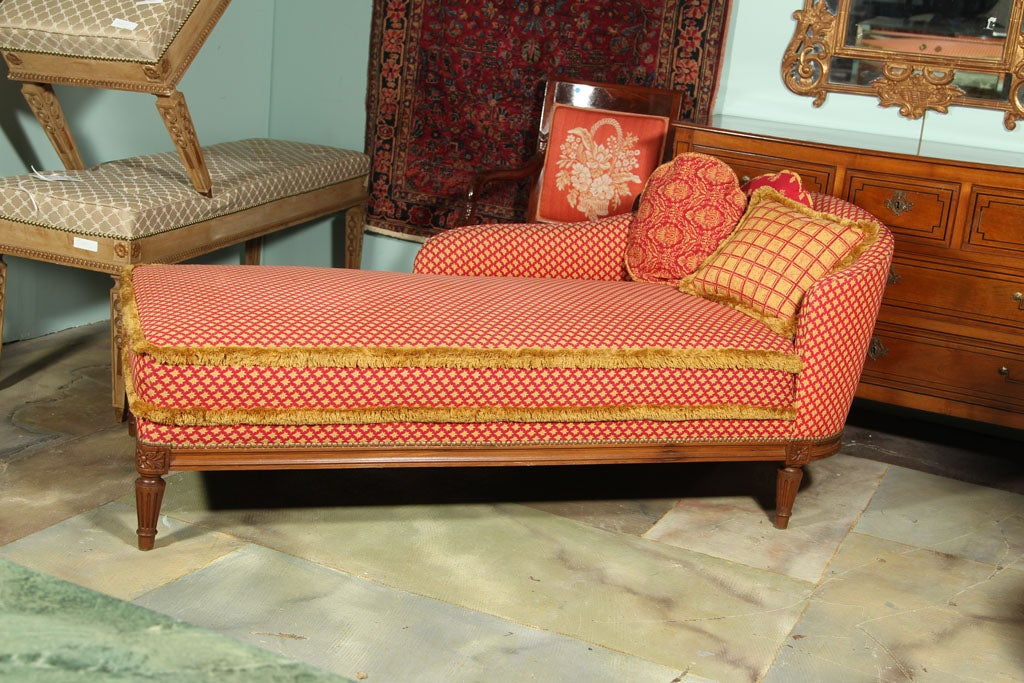 Louis xvi style daybed chaise lounge stamped jansen at 1stdibs for Chaises louis xvi occasion