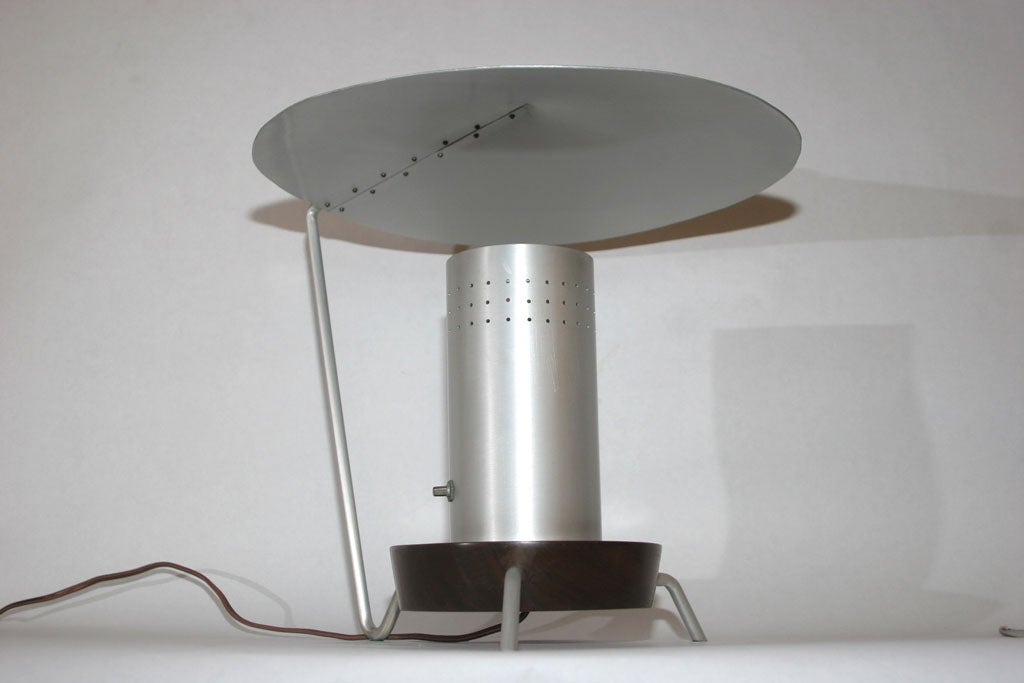 Futurist Articulated Table Lamp 4