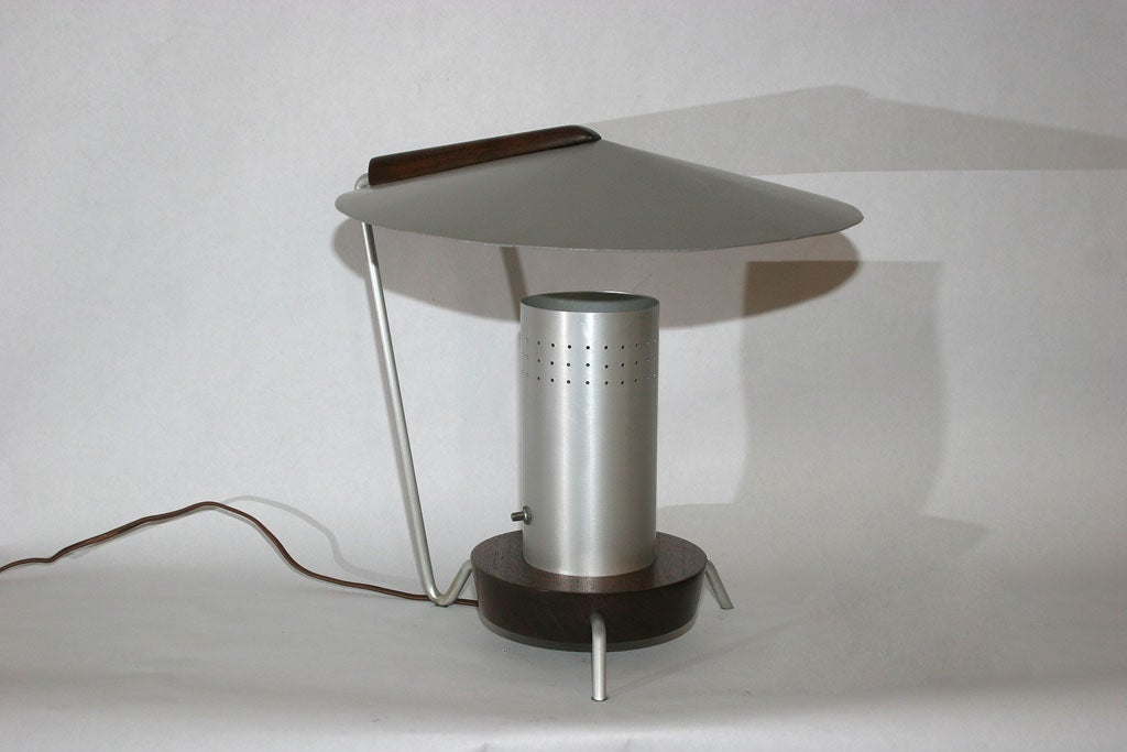 Futurist Articulated Table Lamp 2