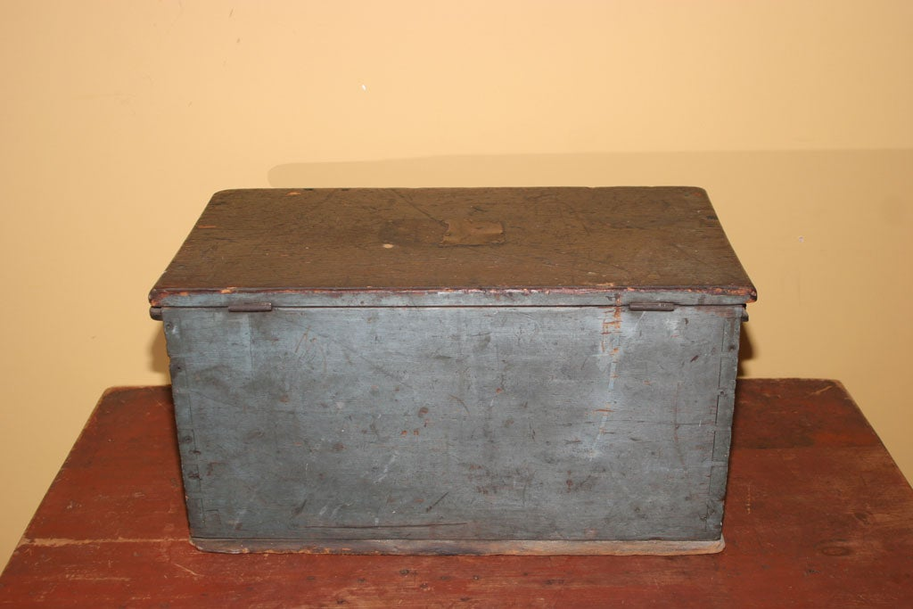 Lidded Wood Box in Original Paint For Sale 2