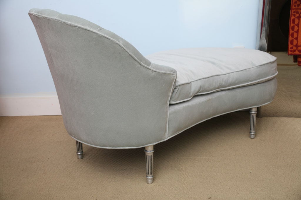 1940s glamourous hollywood regency chaise lounge at 1stdibs for Chaise 1940