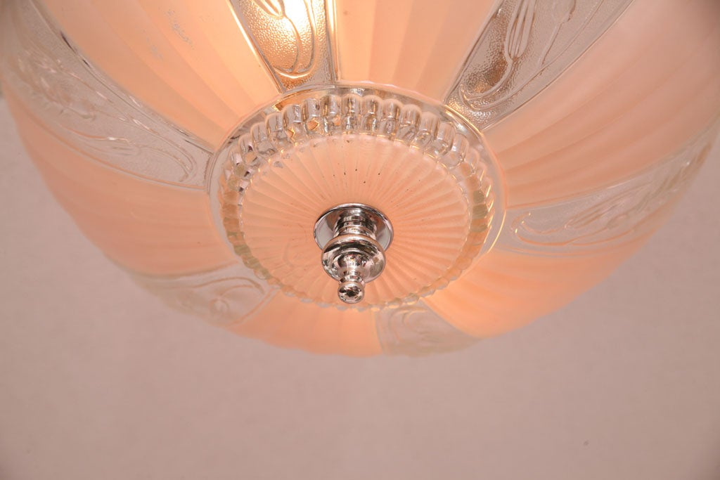French Deco Chandelier Pink Engraved, Restored For Sale 4