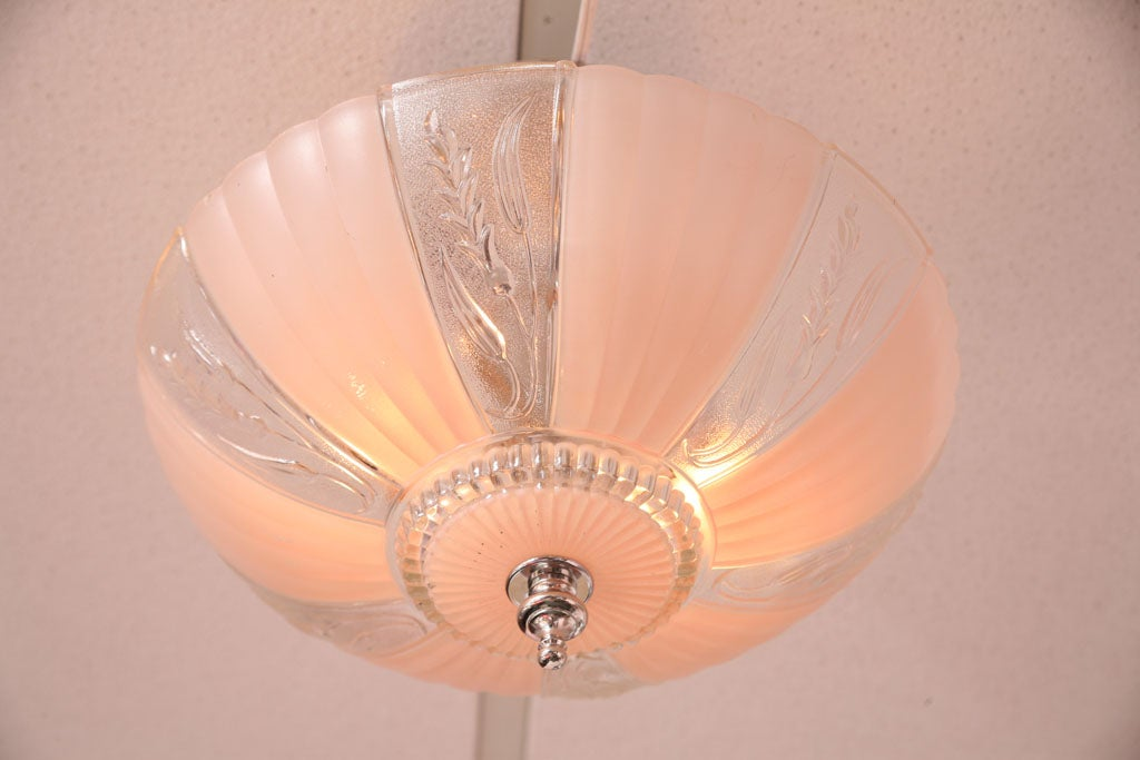 French Deco Chandelier Pink Engraved, Restored For Sale 5