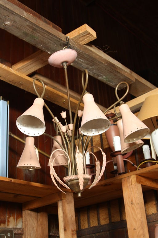 Mid-Century Modern Brass and Pink Painted Metal Chandelier For Sale 2