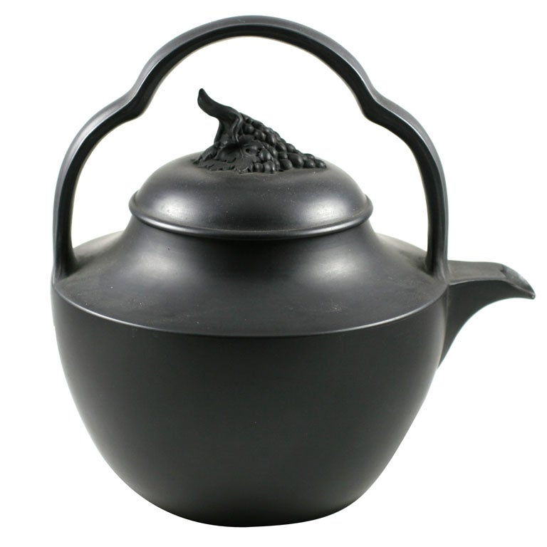 Wedgwood Basalt Rum Kettle At 1stdibs