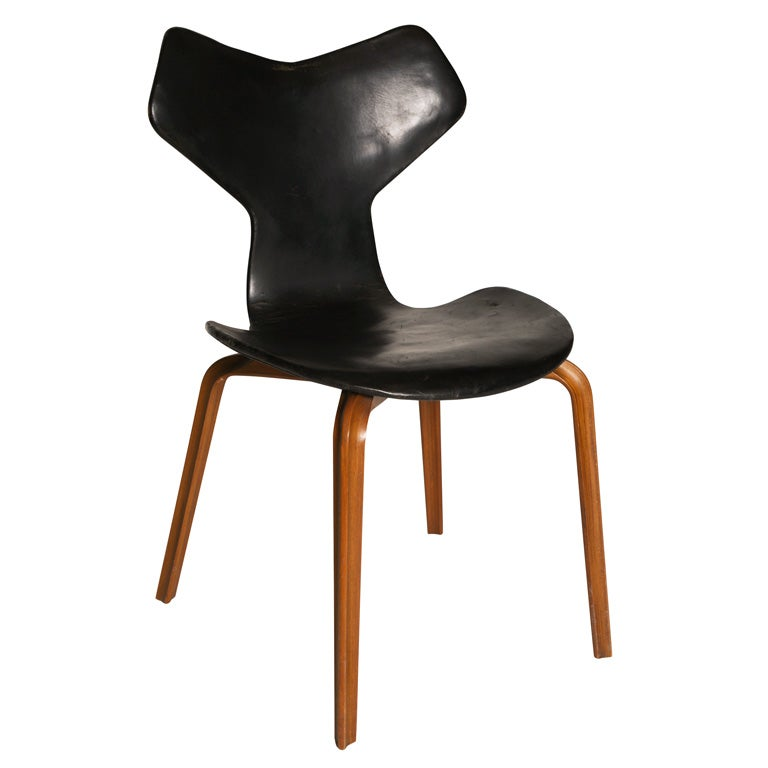 Arne jacobsen grand prix chair at 1stdibs - Chaise grand prix jacobsen ...