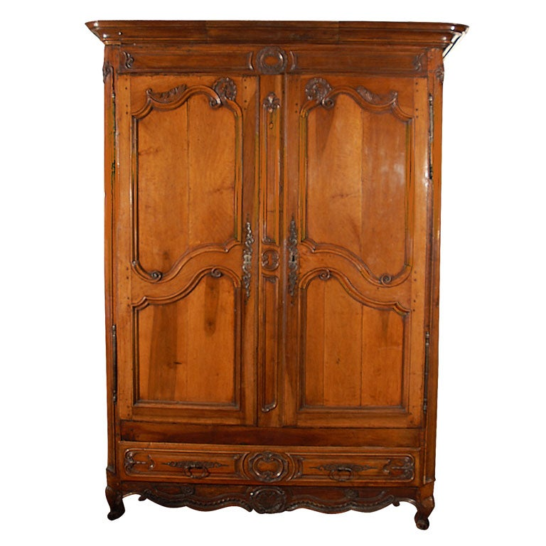 massive louis xv armoire for sale at 1stdibs. Black Bedroom Furniture Sets. Home Design Ideas