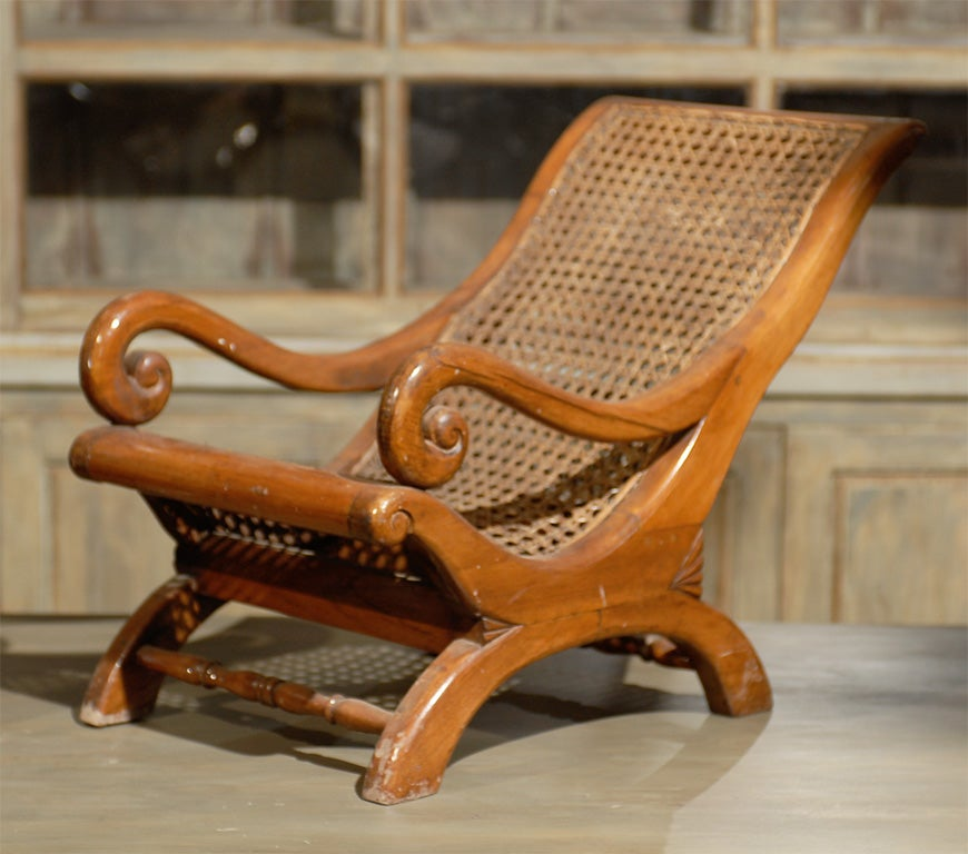 Pair of 19th Century British Colonial Child's Chairs In Good Condition For Sale In Atlanta, GA