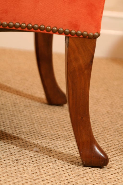 Late 19th Century Walnut Wing Armchair on Moulded Cabriole Legs For Sale 1