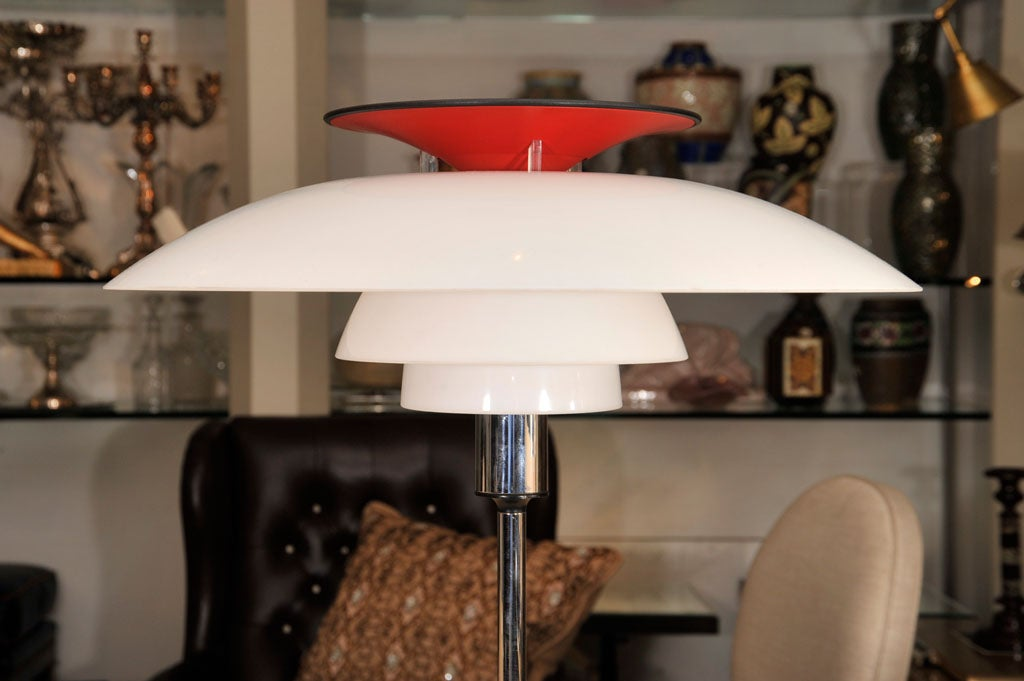 Late 20th Century Pair of Table Lamps by Louis Poulsen For Sale