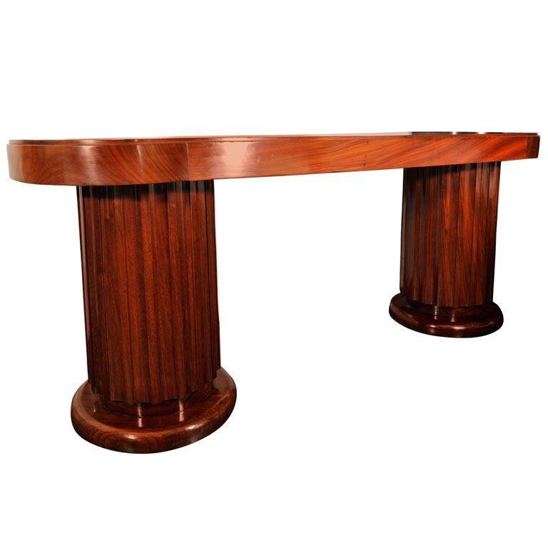 Early 20th Century Mahogany Oval Centre Table For Sale