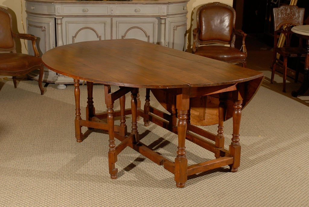 Dining table drop leaf gateleg dining table - Round gateleg dining table ...